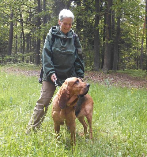 Dana s Cecilkou (Cecilka je bloodhound:))