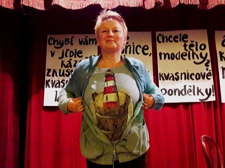 Taková krásná lázeňská trička nám namalovala Katka Hornychová:))